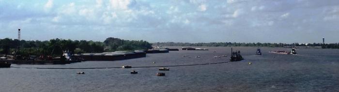 Ships near dredging